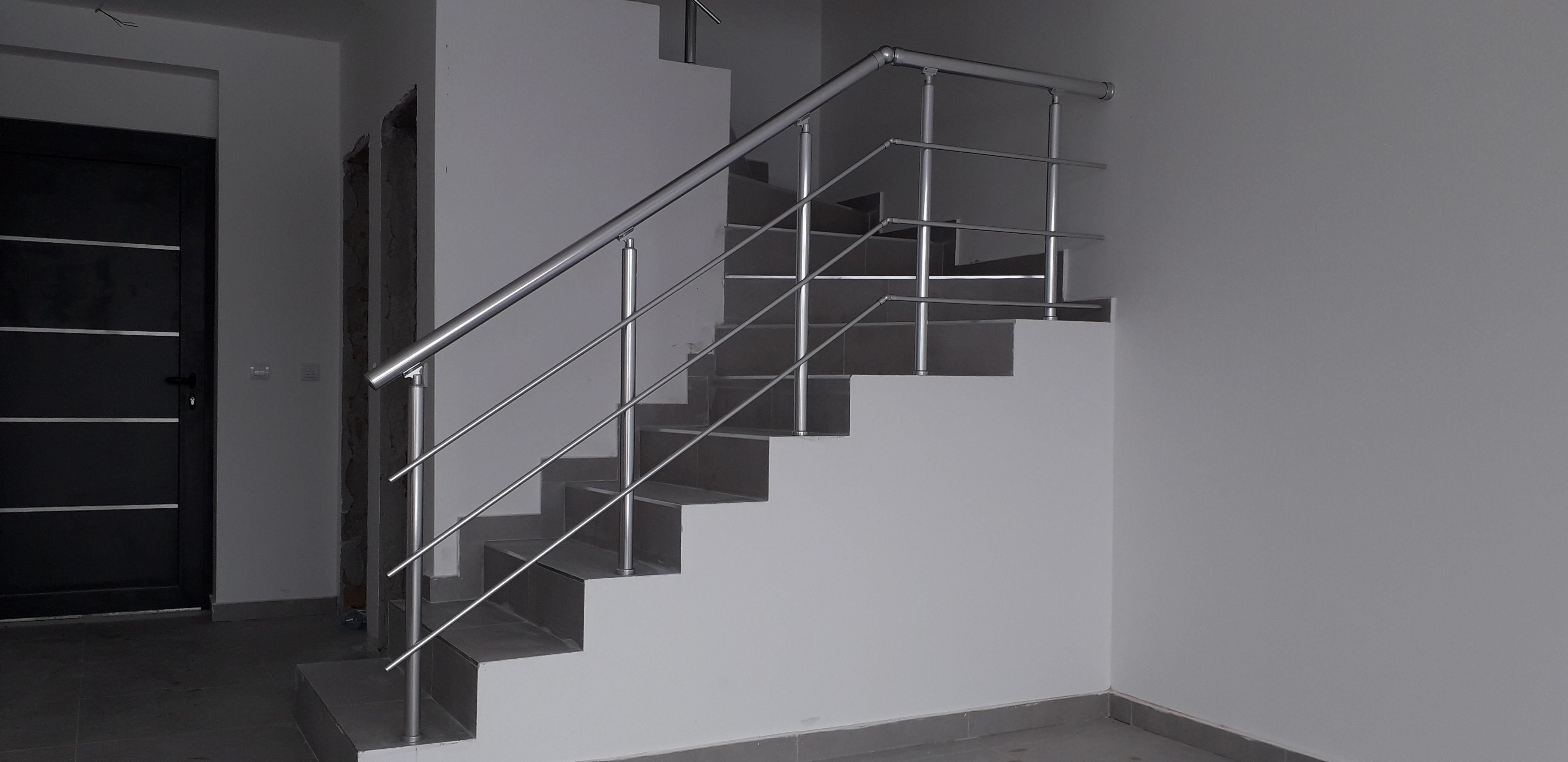 Aluminijumske ograde za unutrašnje stepenice