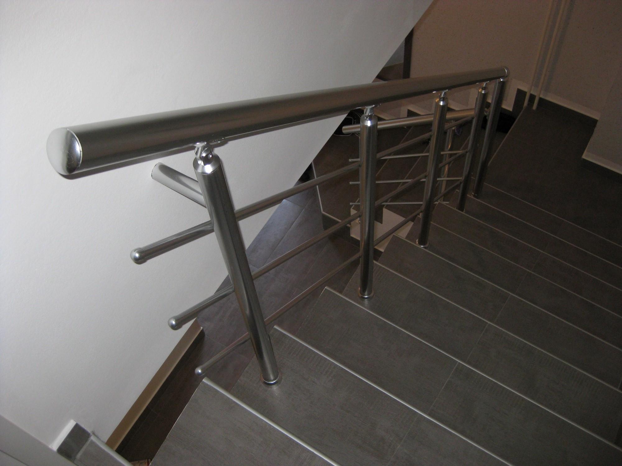 Ograda za unutrašnje stepenice