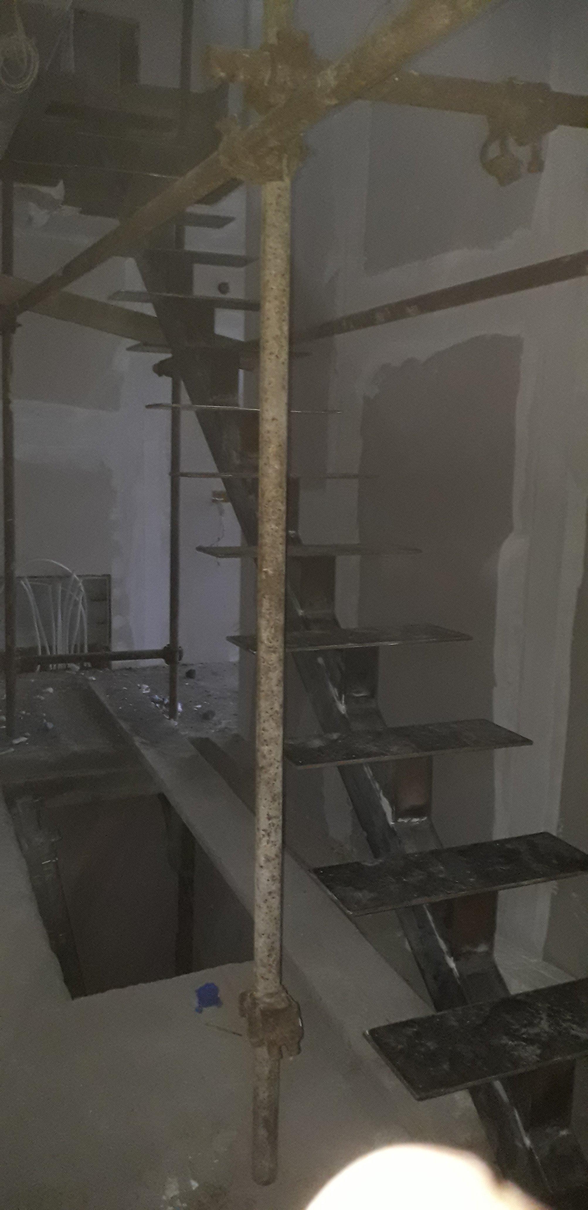 Izrada i montaža unutrašnjih stepenica