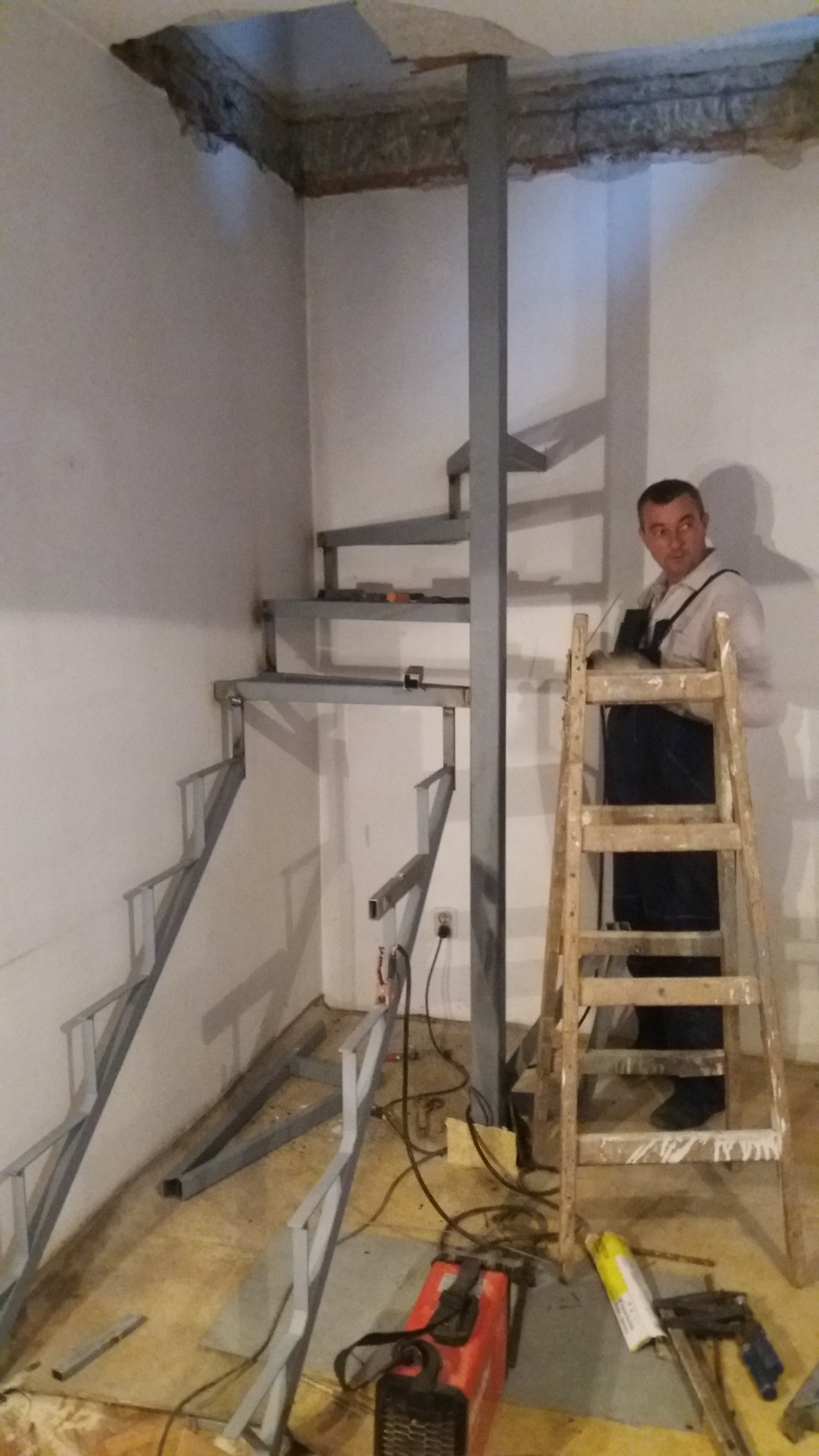 Spiralne stepenice Ripanj
