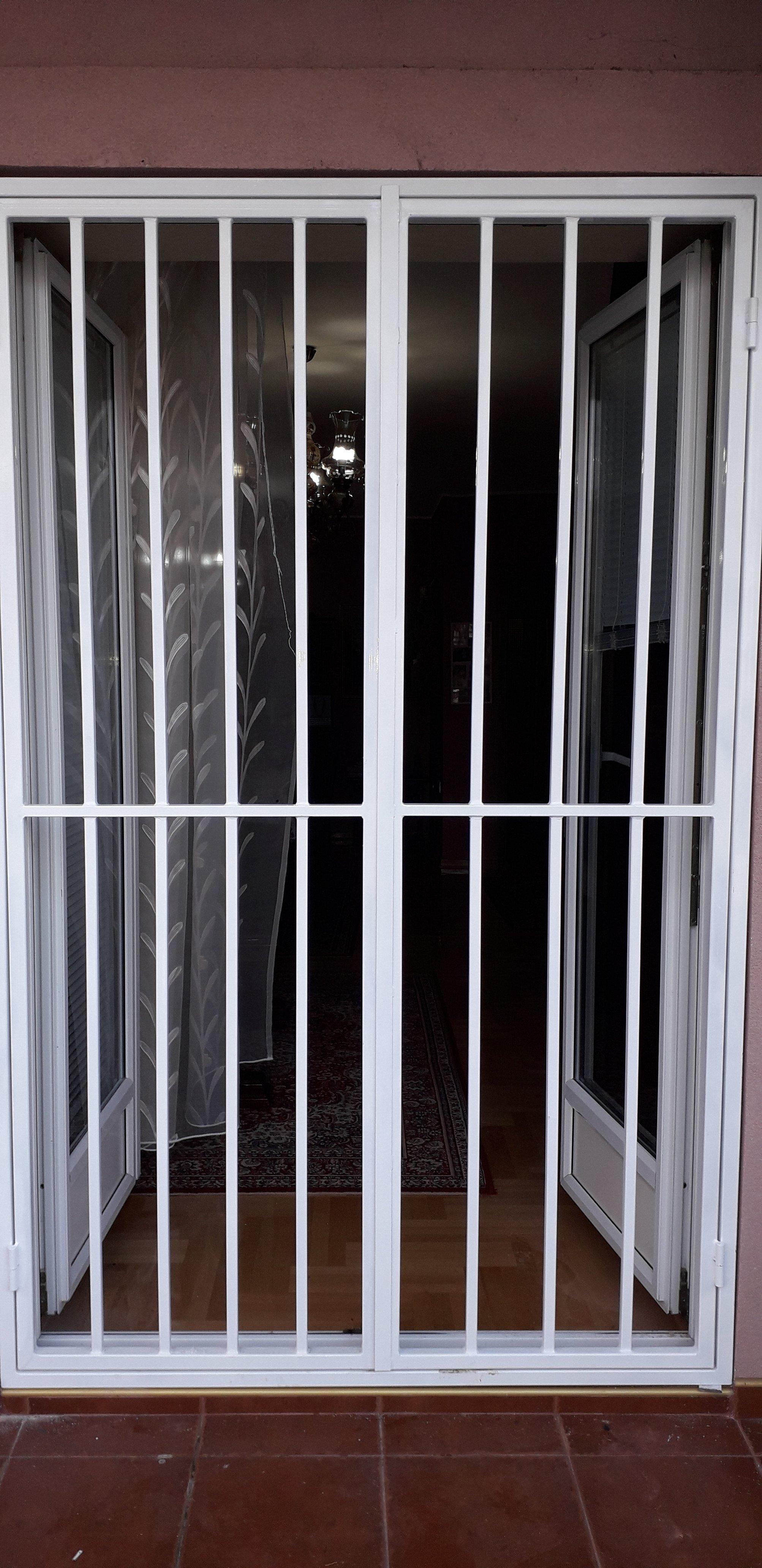 Zaštitna rešetka za dvokrilna vrata