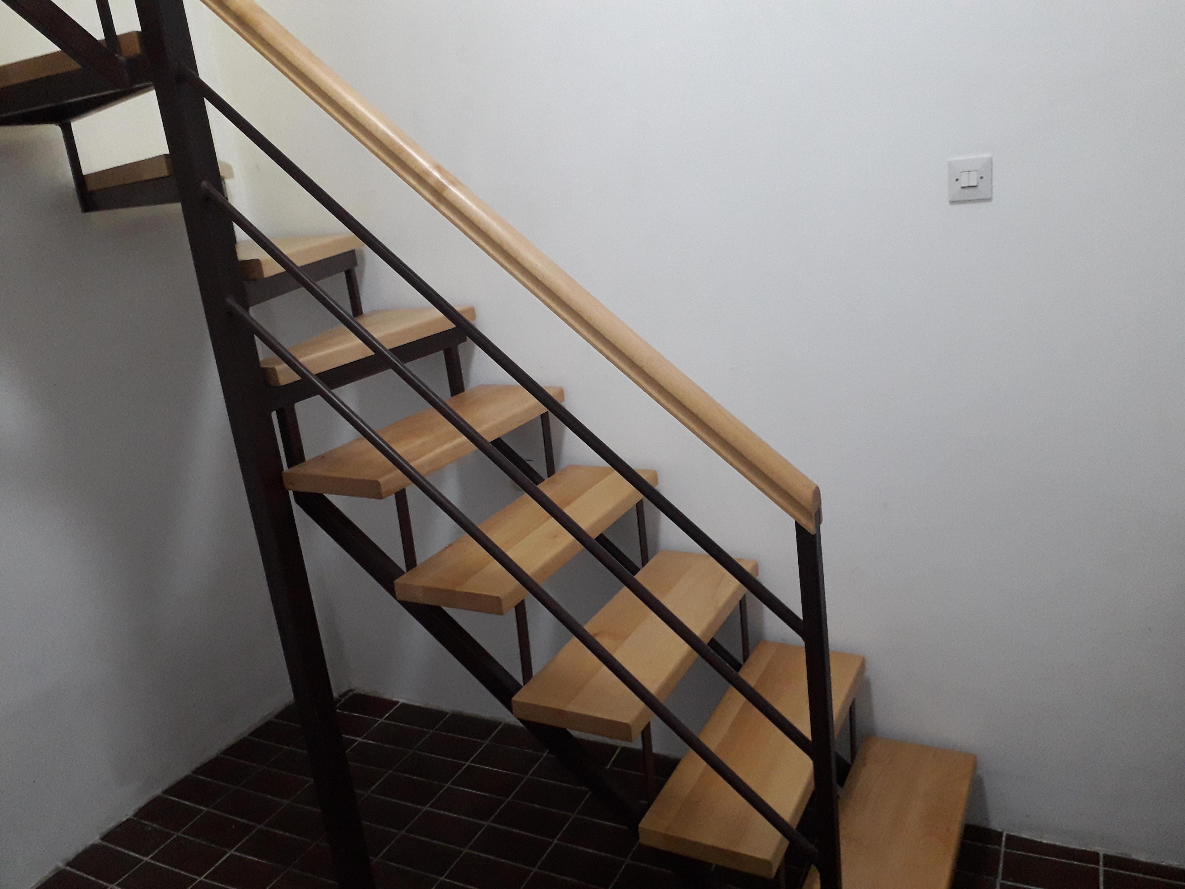 1_Stepenište-sa-drvenim-gazištima