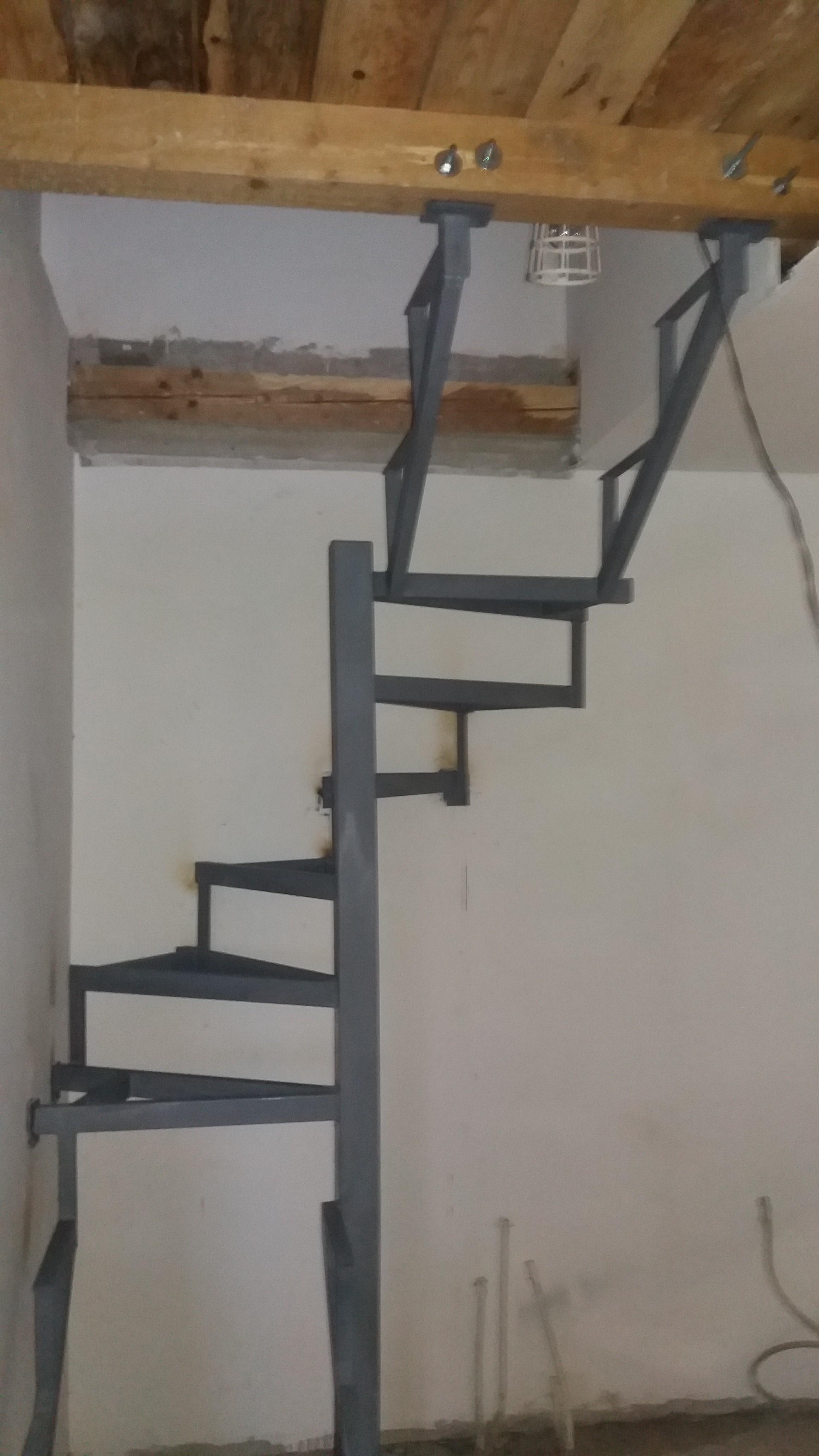 Spiralne stepenice Novi Beograd
